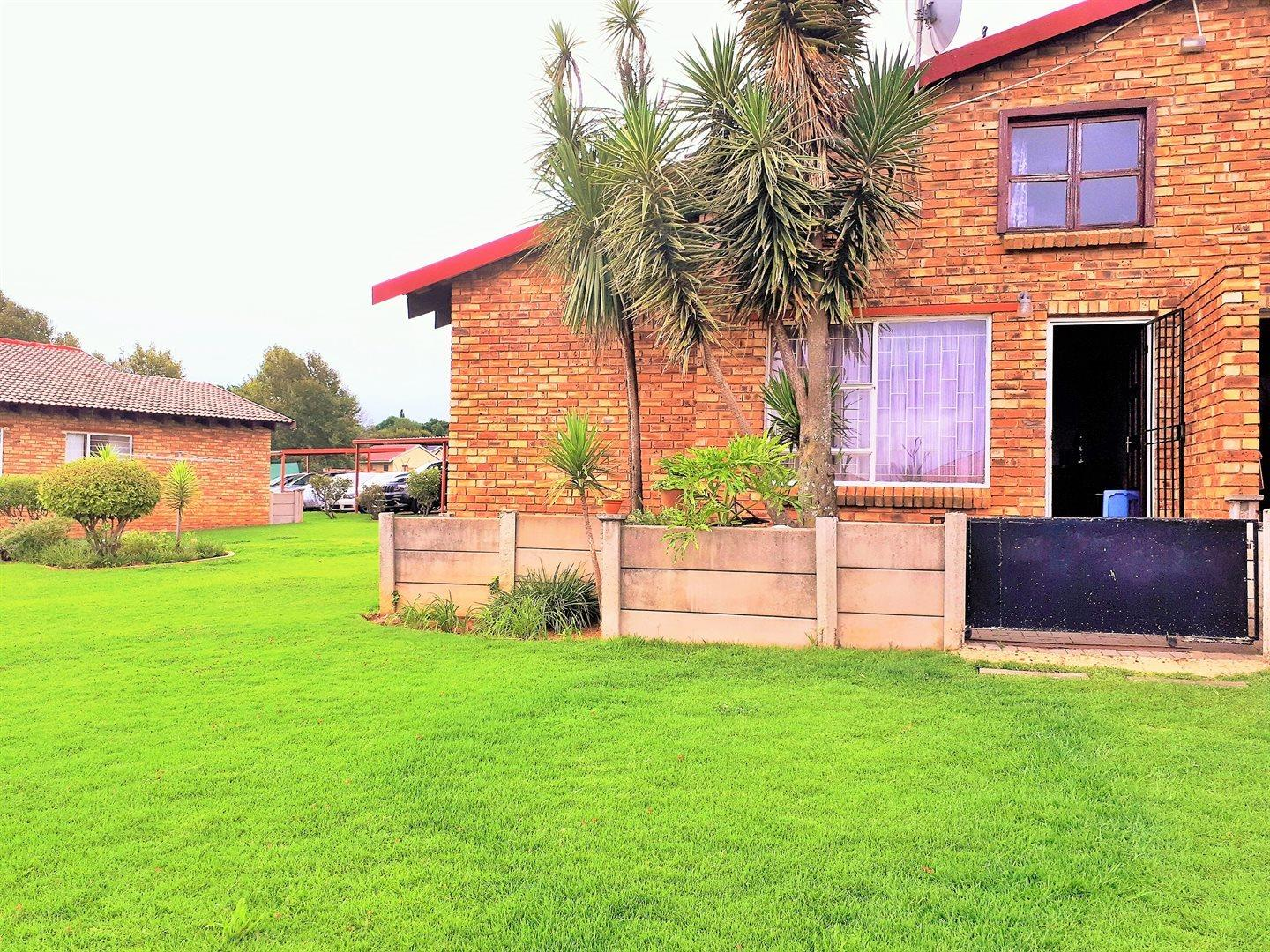 3 Bedroom Townhouse for Sale in Mindalore, Krugersdorp - Gauteng