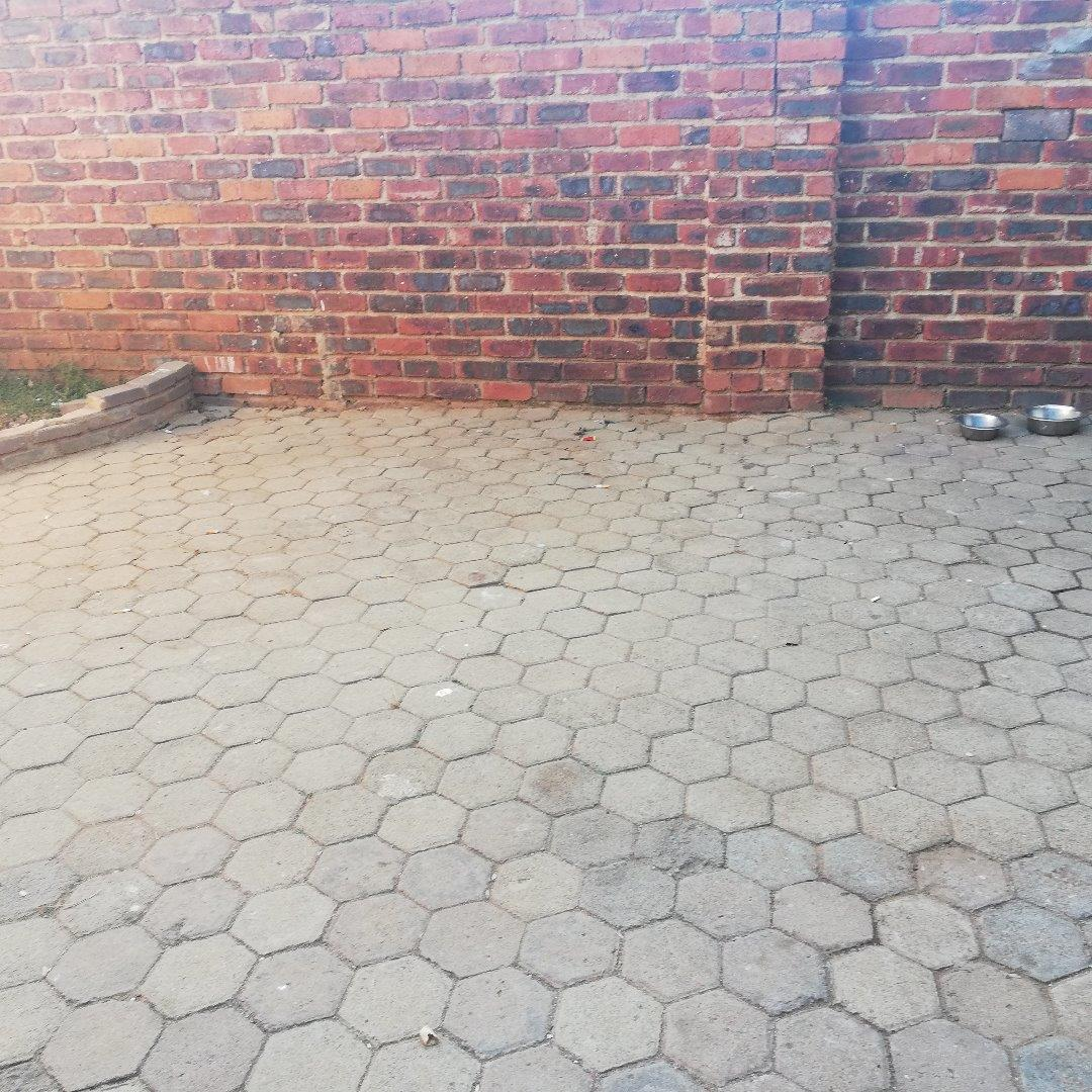 3 Bedroom Apartment for Sale in Groblerpark, Roodepoort - Gauteng