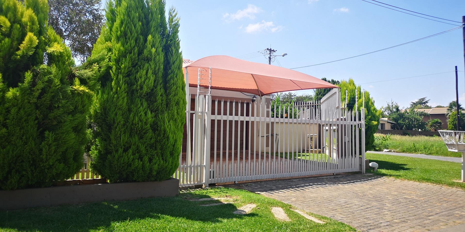 3 Bedroom House for Sale in Greenhills, Randfontein - Gauteng