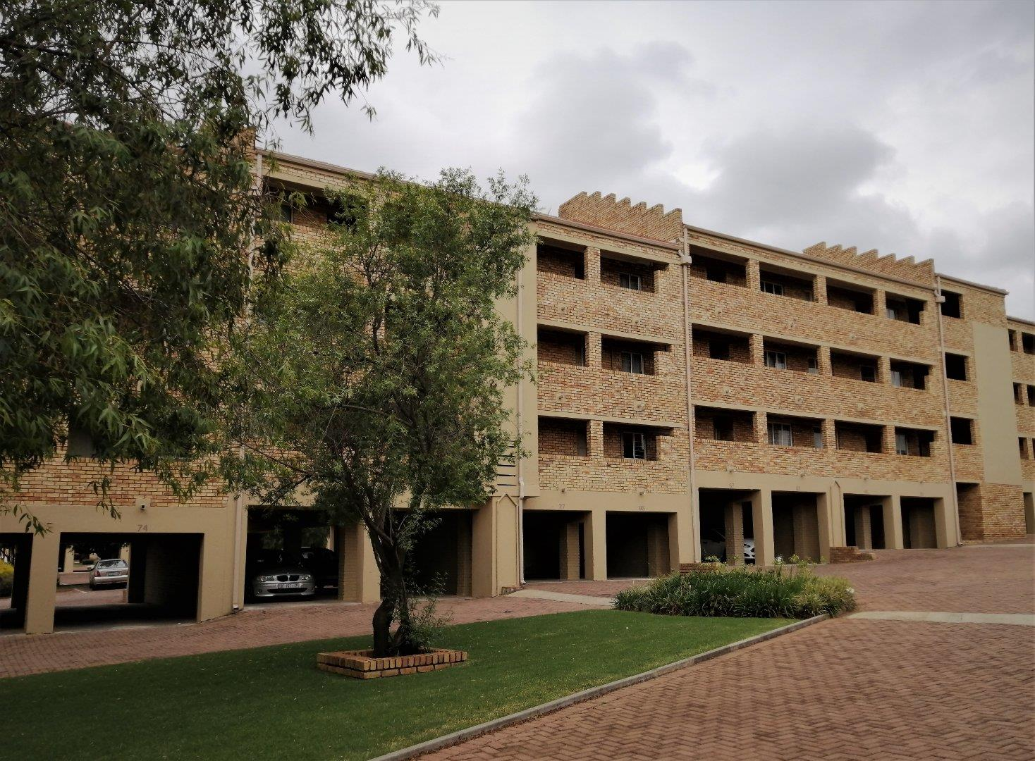 2 Bedroom Apartment for Sale in Wilro Park, Roodepoort - Gauteng