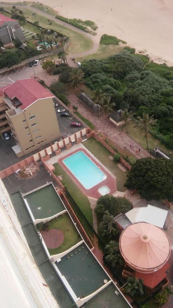 2 Bedroom  Flat for Sale in Amanzimtoti - KwaZulu Natal