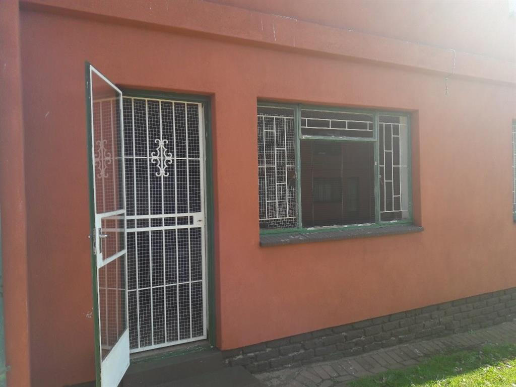 2 Bedroom Apartment for Sale in Burgershoop, Krugersdorp - Gauteng