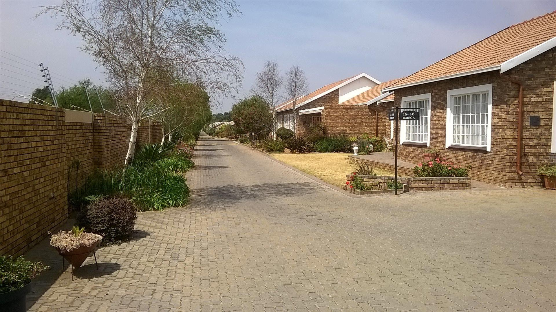 2 Bedroom  Retirement Village for Sale in Roodepoort - Gauteng
