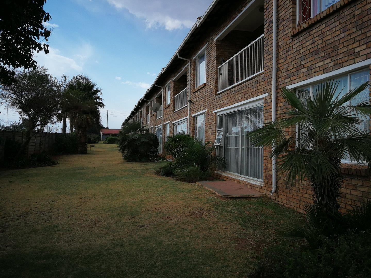 2 Bedroom  Apartment for Sale in Krugersdorp - Gauteng