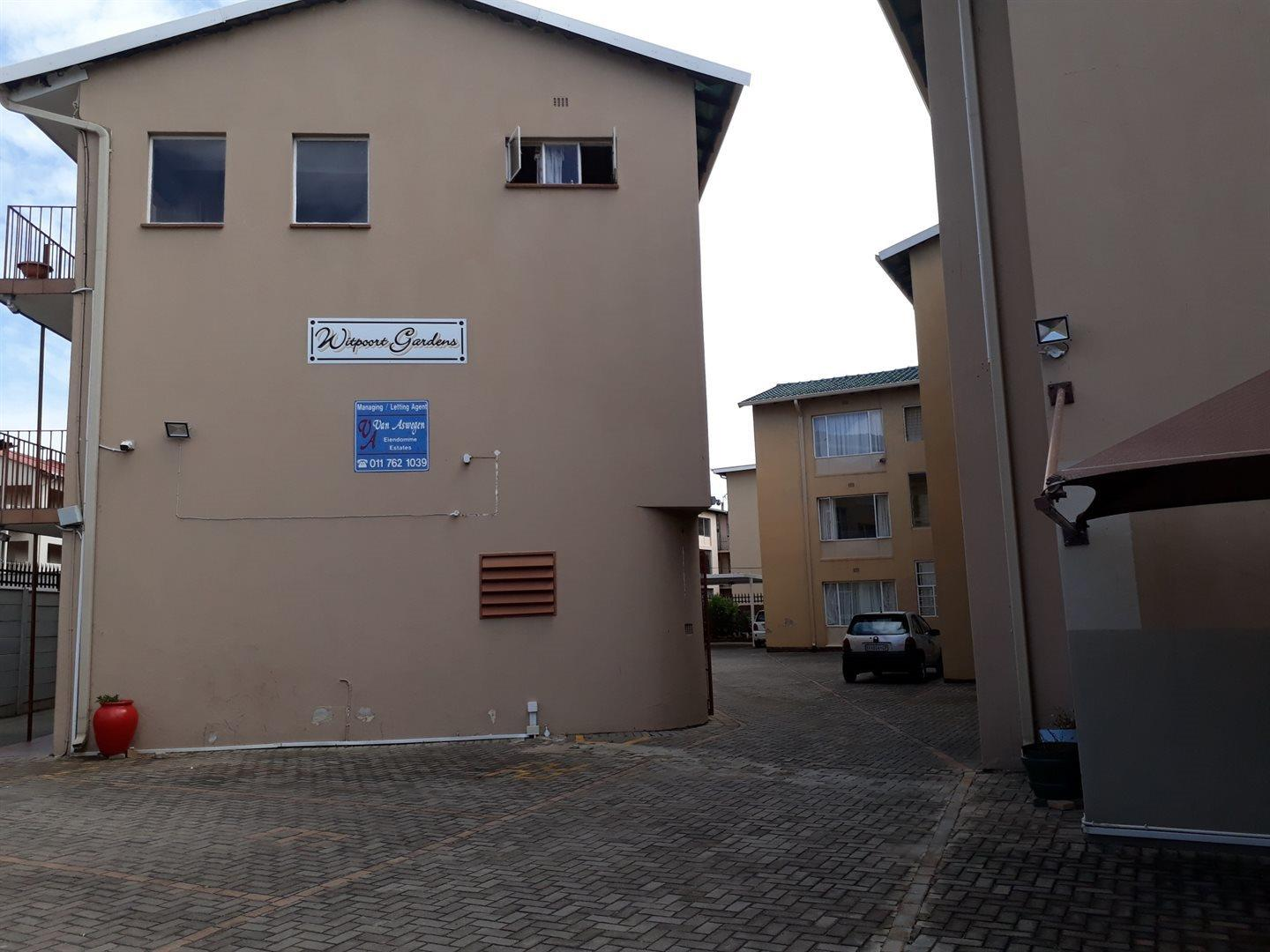 3 Bedroom Apartment for Sale in Witpoortjie, Roodepoort - Gauteng