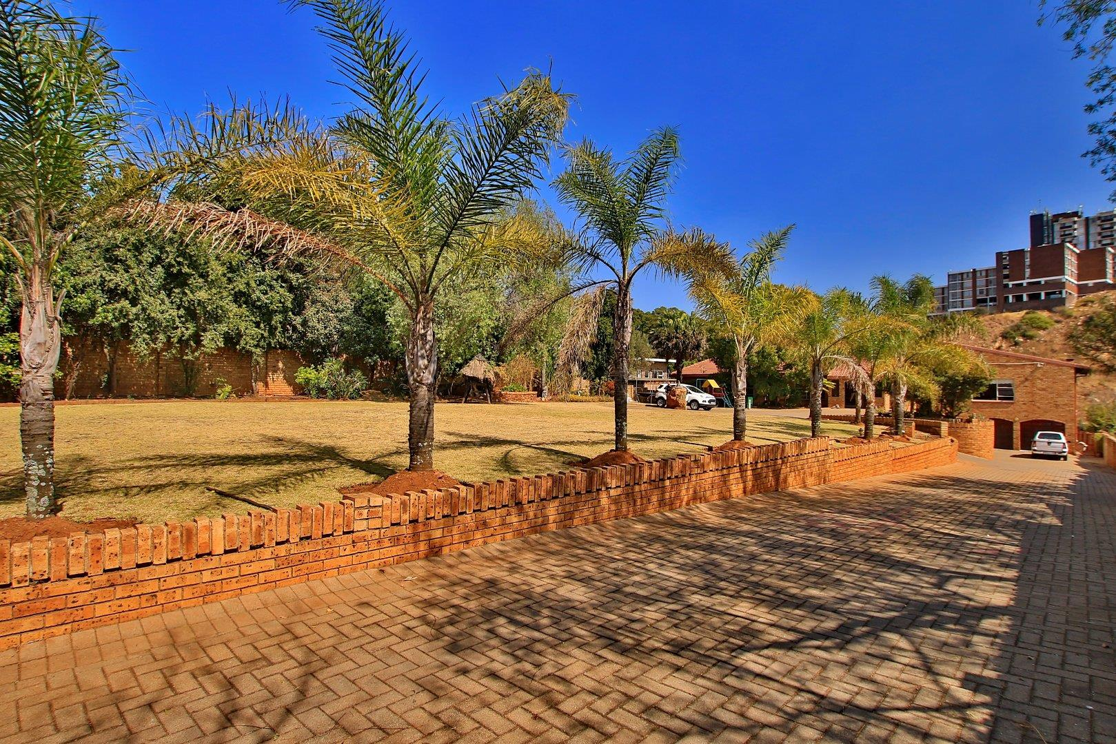 7 Bedroom  House for Sale in Roodepoort - Gauteng