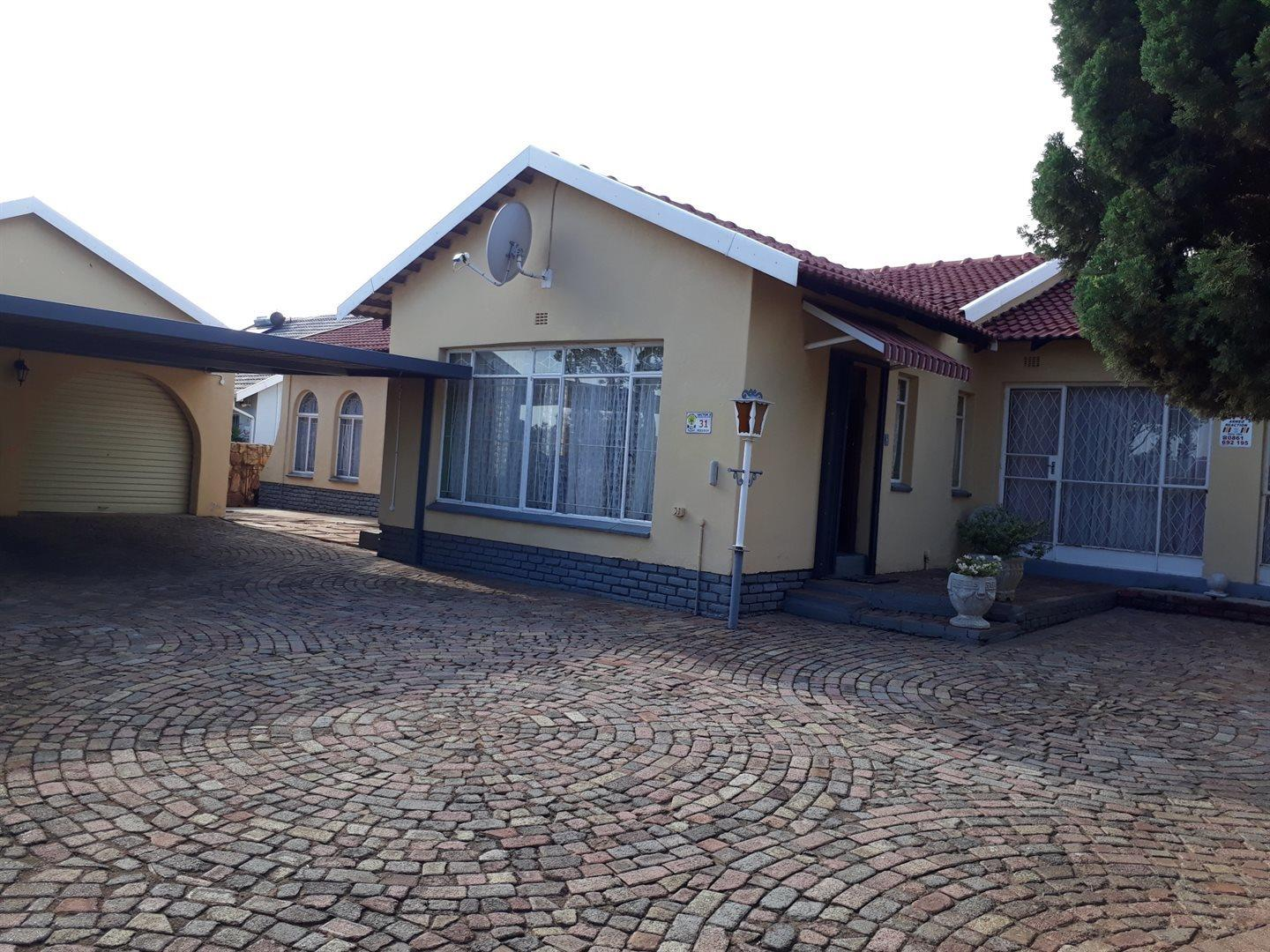3 Bedroom  House for Sale in Krugersdorp - Gauteng