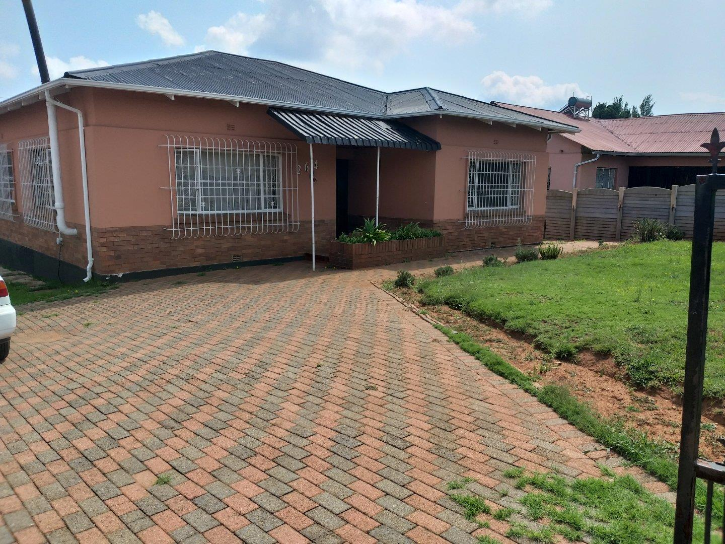 3 Bedroom House for Sale in Wentworth Park, Krugersdorp - Gauteng