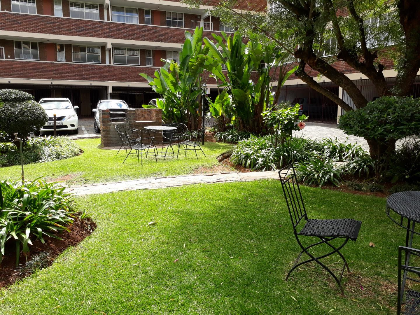 2 Bedroom Apartment for Sale in Horison View, Roodepoort - Gauteng