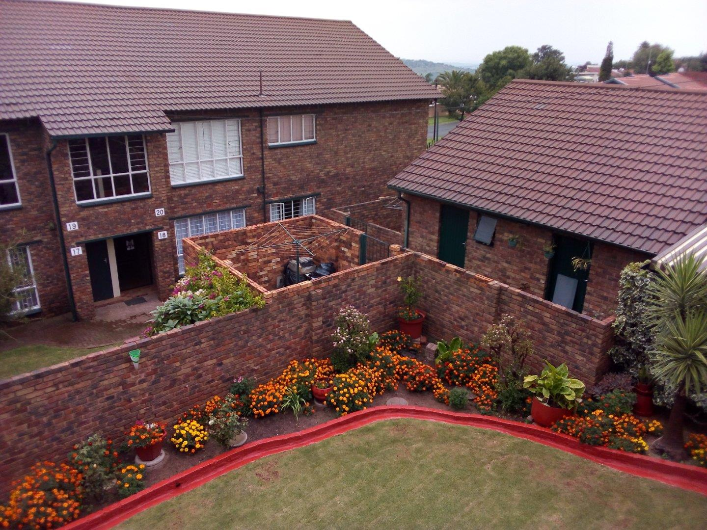 3 Bedroom Apartment for Sale in Wilro Park, Roodepoort - Gauteng