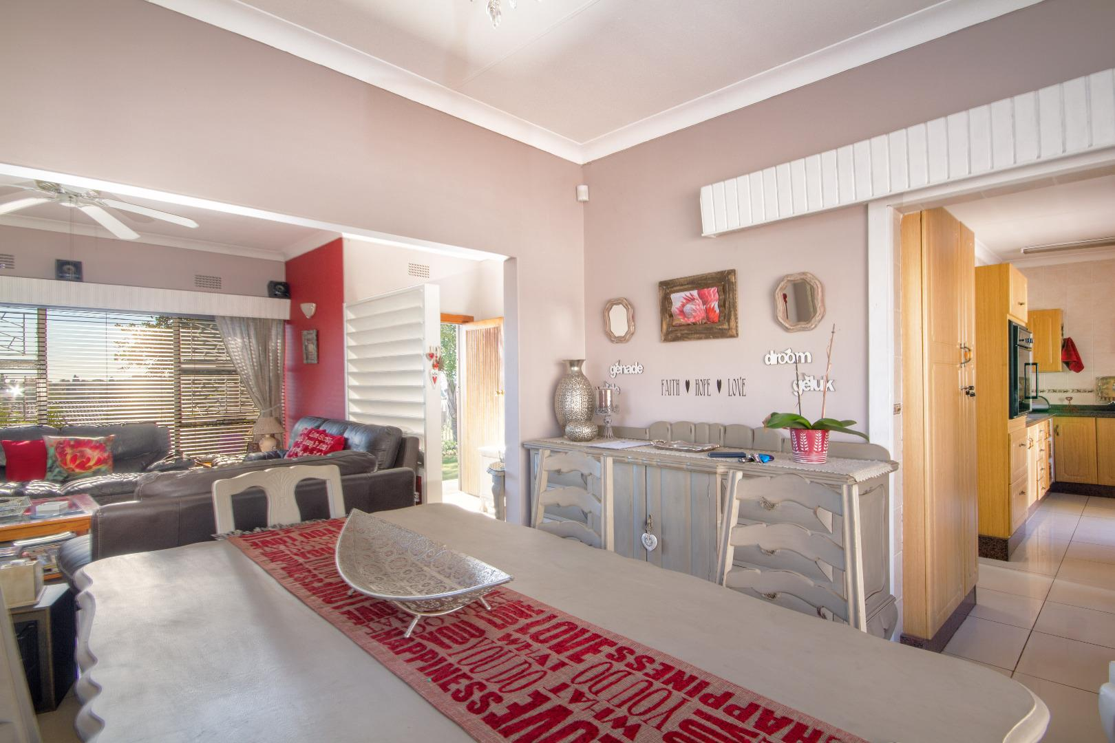 3 Bedroom House for Sale in Breaunanda, Roodepoort - Gauteng