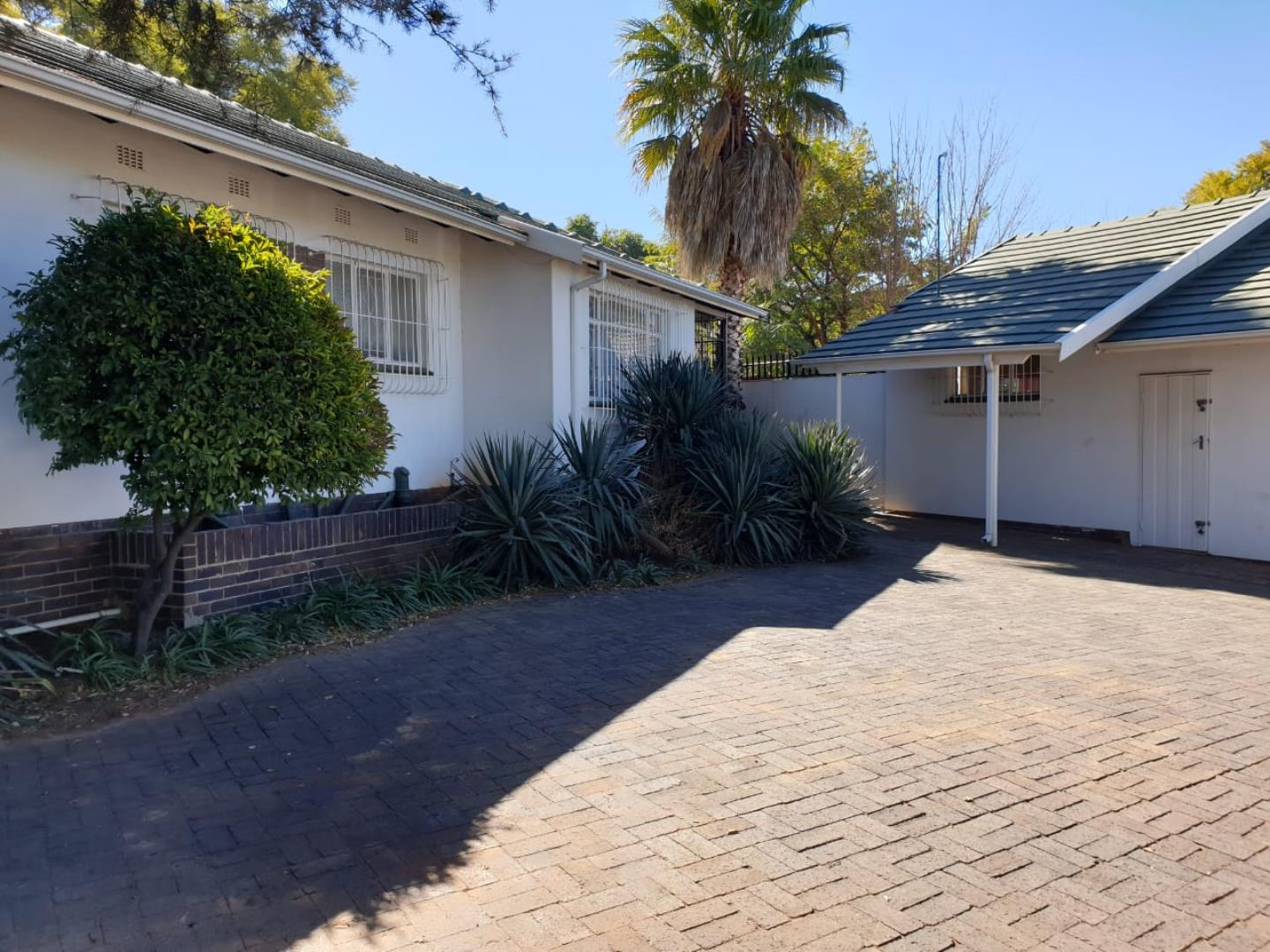 4 Bedroom House for Sale in Florida Park, Roodepoort - Gauteng