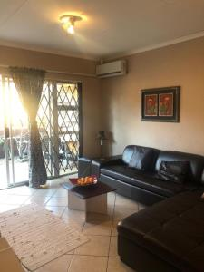 2 Bedroom Townhouse for Sale in Honeydew, Roodepoort - Gauteng