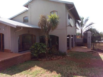 4 Bedroom House for Sale in Kloofendal, Roodepoort - Gauteng