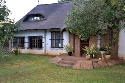5 Bedroom Farm for Sale in Elandskraal A H, Hartbeespoort - North West