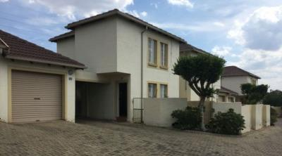 2 Bedroom Townhouse for Sale in Centurion Central, Centurion - Gauteng
