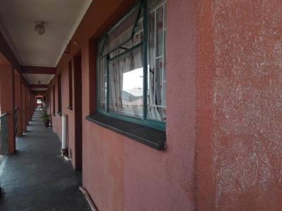2 Bedroom Flat for Sale in Burgershoop, Krugersdorp - Gauteng
