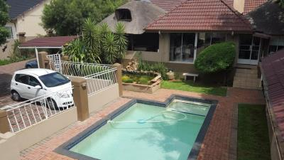 17 Bedroom Guesthouse for Sale in Mindalore North, Krugersdorp - Gauteng