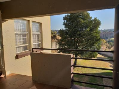 3 Bedroom Townhouse for Sale in Breaunanda, Krugersdorp - Gauteng